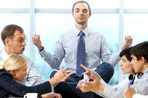 Pequenas atitudes podem fazer você se sentir mais leve e tranquilo no ambiente de trabalho